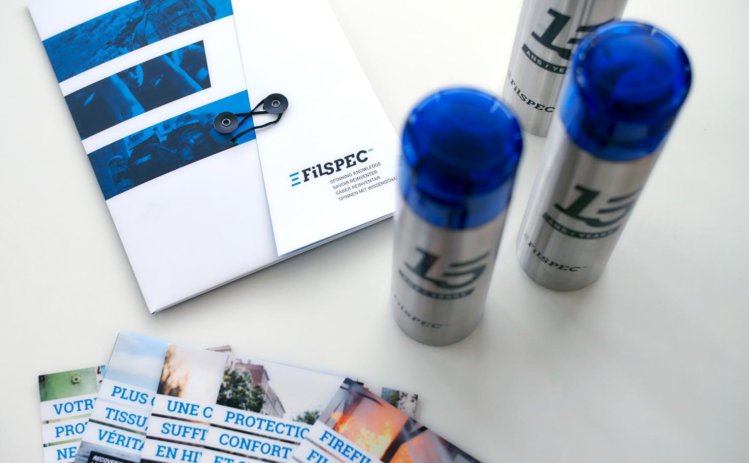 15e anniversaire FilSpec - Pochette d'entreprise et bouteilles d'eau